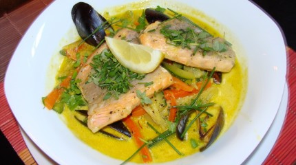 Salmon & Mussels Curry